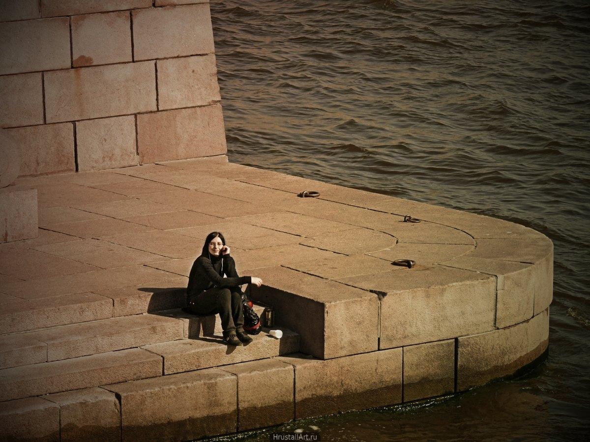 Балтика — девушка, гранит, Нева