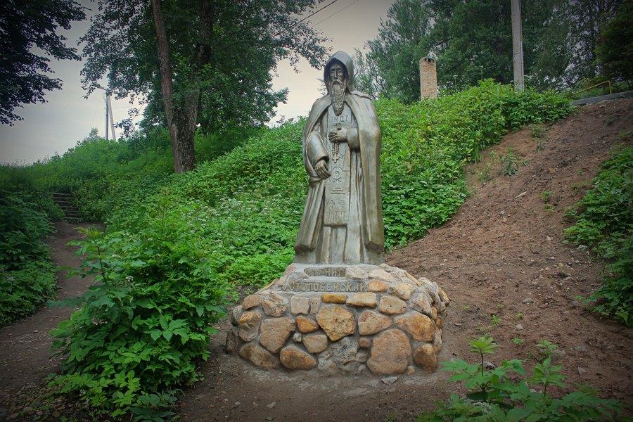 Скульптура Нила Столобенского