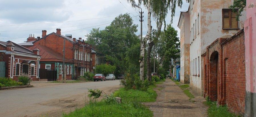 Улица старо-русского купеческого города.