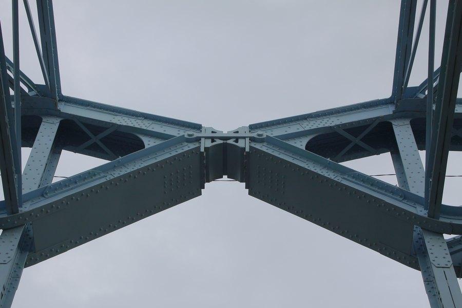 Деталь моста