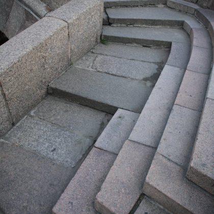 Лестница Эрмитажного моста