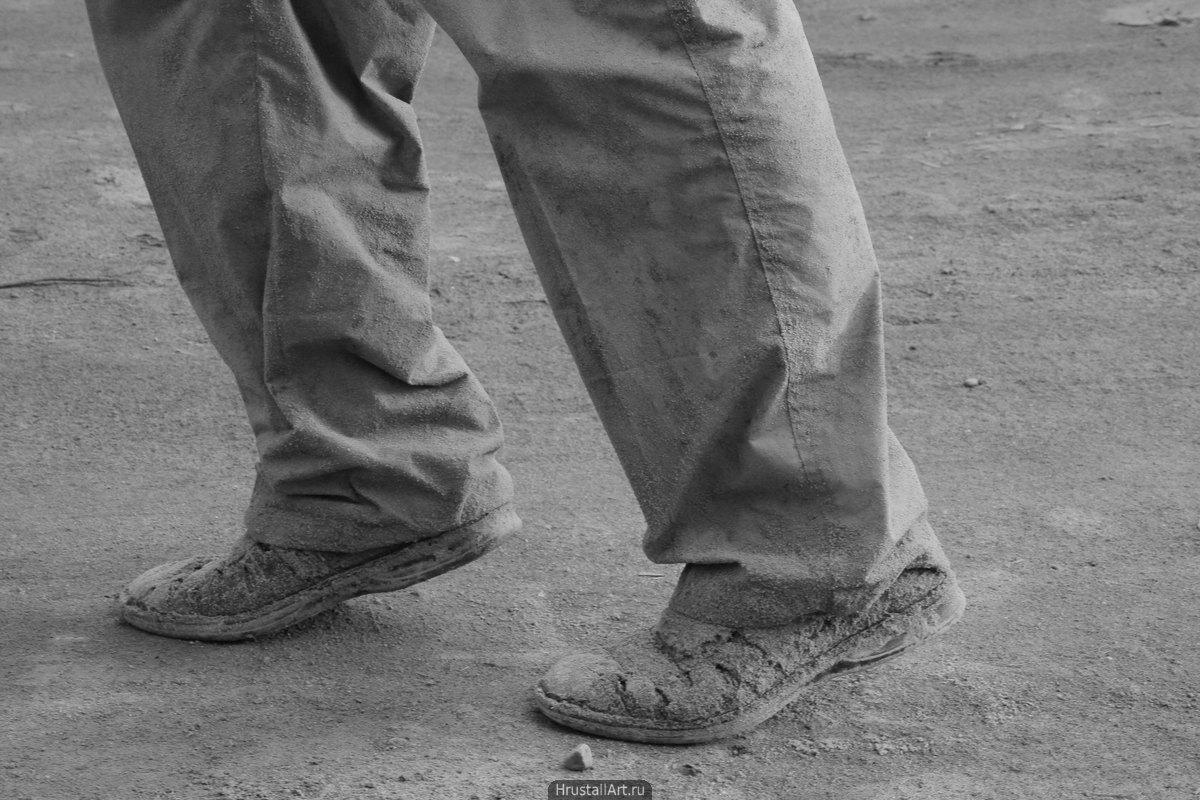 Обувь в песке
