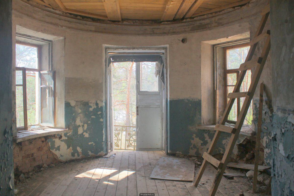 Комната в башне