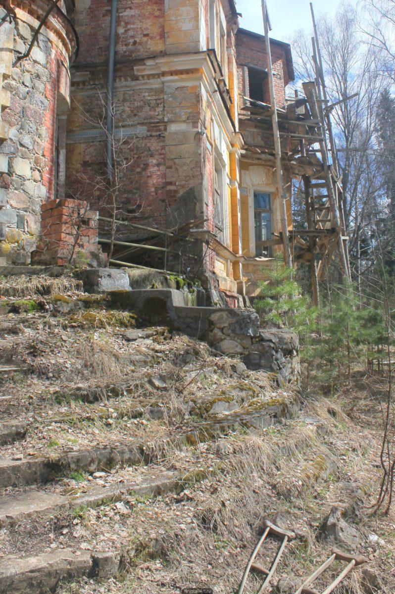Лестница главного входа
