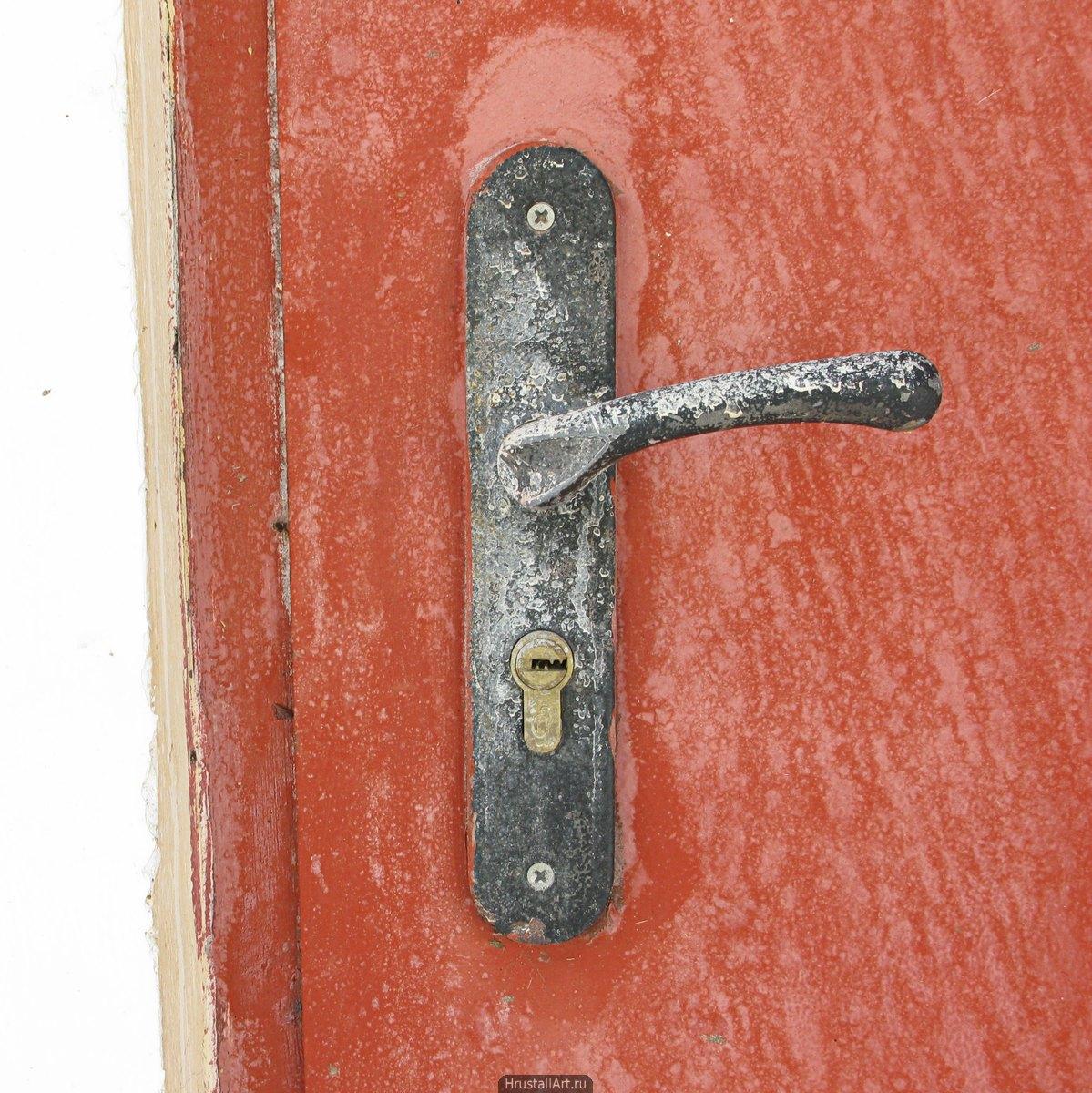 Старая дверная ручка.